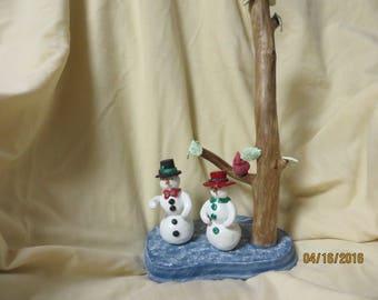 M. Mrs. snowman in snow