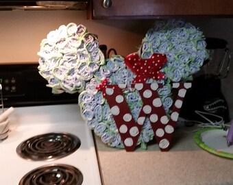 Minnie mouse sillouette diaper cake