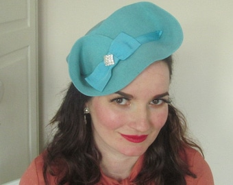 Vintage Inspired 1940s Style Felt Turquoise Hat