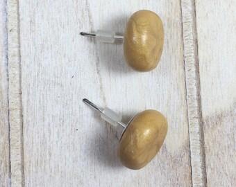 Stud Earrings Plates in Gold