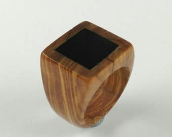 Wood ring //Wooden ring //wood ring for women //Rings // Olive wood ring with a jet polished stone - Size 16.30 mm (USA 5 3/4)