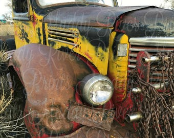 International Junkyard Photography Printable Download-Old Farm Truck-Retro Wrecker-Vintage Truck-Chains-Rusty License Plate