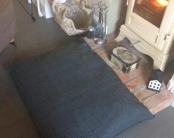 Large wool plaid DOG cushion BED~grey/navy box check~90 x 70cm~includes pad