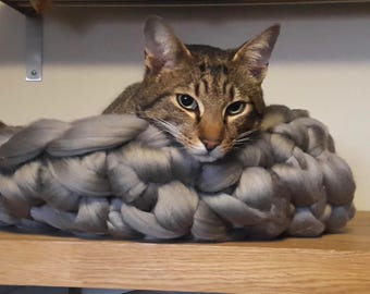 Daddy Puss Cat Bed - Super Chunky Merino Wool