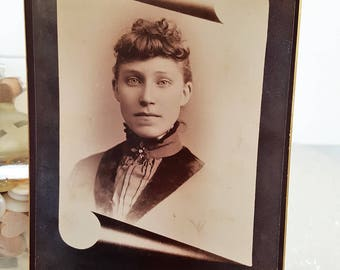 Antique Cabinet Card with Beauty in Rolled Scroll Inset Frame Late 19th Century