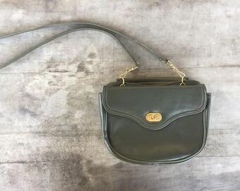 olive green bag w/ removable strap
