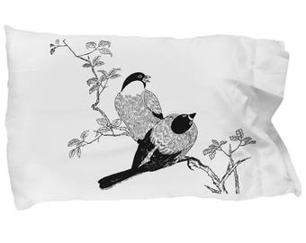 Adult coloring. Decorate your pillowcase. Coloring Pillowcases with Washable Fabric Markers.  Color Your Own Pillow Case. Beautiful birds