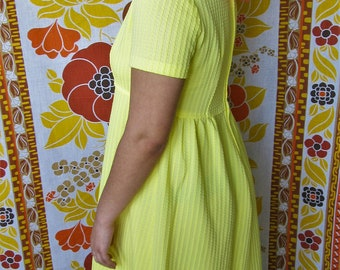 1970's Yellow short sleeve Maxi Dress