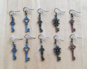 Victorian Key Earrings 1 Pair