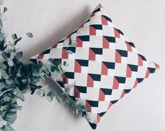 Geometric cushion beige, black and orange