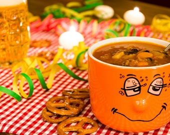 Hot bean soup for night owls