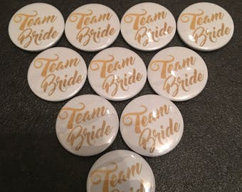 10 x 25mm White and Gold Team Bride Button Badges