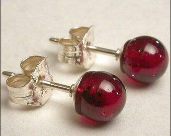 Garnet 5mm Round Studs Earrings - Sterling Silver