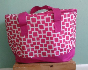 FLASH SALE * Pink Box Pattern Cooler Tote