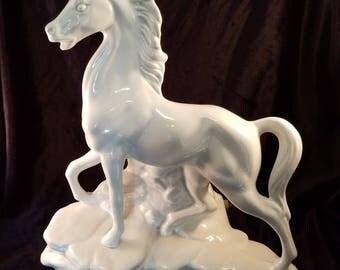 Vintage White Horse TV Lamp