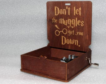 """Harry Potter - Don't Let The Muggles Get You Down - Engraved Wooden Music Box - """"Harry's Wondrous World"""" - Hand Crank Movement"""