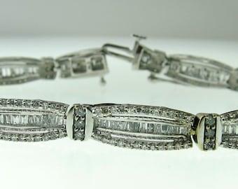 10kt White Gold Diamond Tennis Bracelet