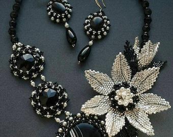 Black white Necklace Black white jewelry Black white bib necklace Black statement necklace Black jewel Black white flower Black white set