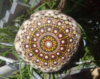 Mandala stone/dot stone brown