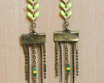 Pistachio cobs earrings