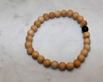 Beaded rosewood bracelet with black accent bead