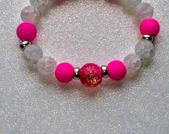 Hot pink and quartz beaded bracelet