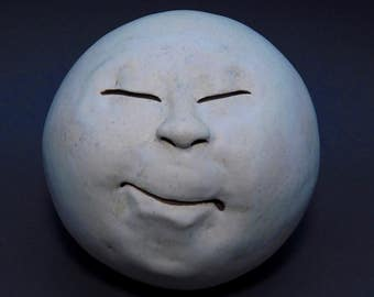 Man-in-the-Moon Garden Head, Antique White/Eggshell