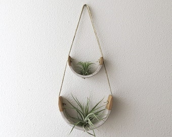 2 Tier Hanging Air Plant Holder   Speckle Stoneware Planter Dipped In Gloss  White