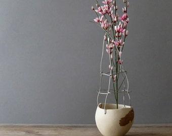 small ceramic and wire bud ikebana flower vase