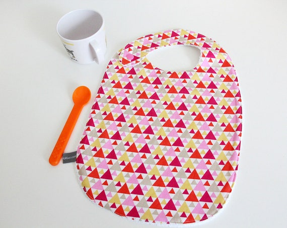 Baby bib - triangles - pink - yellow - orange - white - graphic - bamboo - baby gift - baby shower - baby meal - baby - birthday