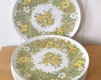 8 vintage flower melmac dinner plates Beverly Prolon
