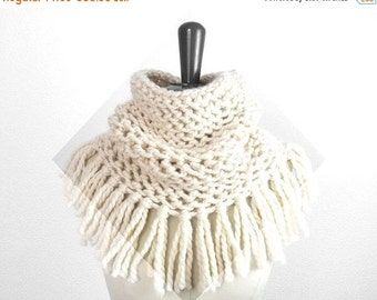 15% OFF SALE: Baby Alpaca Soft Infinity Fringe Scarf / Snood. Hand Knit. Porcelain / Ivory. Romantic / Boho. Handmade in France.