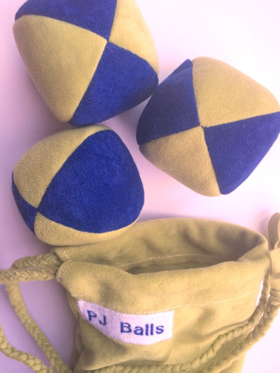 110g - 3 Soft JUGGLING BALLS With Bag - Dark Blue and Olive Green