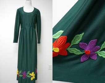 Leslie Fay Knits . 60s 70s floral embroidery . green . maxi dress . fits a large to xl . bust 38""