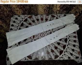 SALE Vintage NOS 1950's Kid Leather Opera Gloves Ivory 7, Extra Long 24 1/2 inches