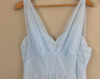 Vintage 60s baby blue sheer lace night gown ~ voluptuous ~ plus size~ pin up