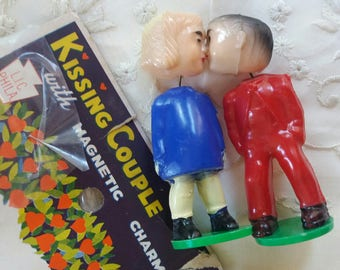 Vintage Kissing Couple Magnetic Charm