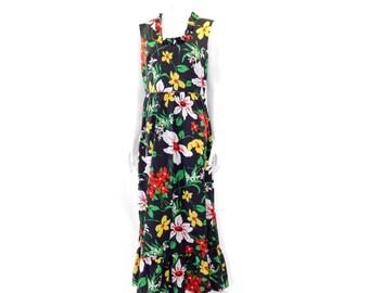 Vintage 70s Maxi Dress // Black Floral Dress// Black Dress Multi Color Large Floral Print// 122