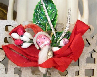 Here Comes Santa Claus...Adorable Vintage Holiday Corsage