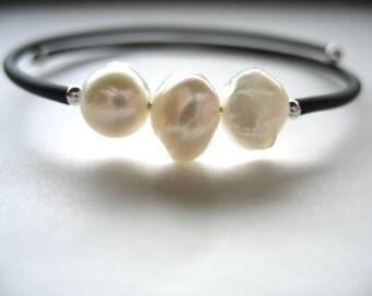 White Pearl, Pearl Bracelet, Handmade Cuff Bracelet, White Pearl Jewelry, luminous creation