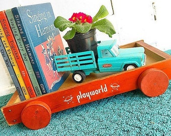 Pulling Out All The Stops ... Vintage Playworld Wagon Pull Toy Children Nursery Decor Planter Tray World Space Graphics