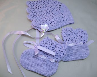 Hand Crocheted Baby Infant Bonnet & Booties Set Gift