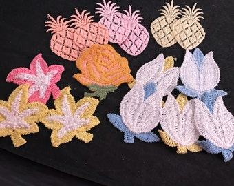 Lot of 15 Vintage Appliqué Leaves, Flowers and Pineapples