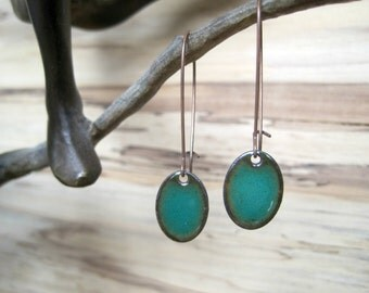 Emerald Green Dangle Earrings, Oval Dangle Earrings, Copper Enamel, Green Oval Drop, Emerald Oval Chandelier Earrings