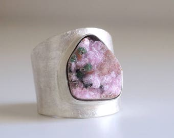 RESERVED . CUSTOM RING . Cobaltocalcite ring. Sterling silver ring with druzy Cobaltocalcite. Pink druzy ring, pink gemstone, druzy jewelry.