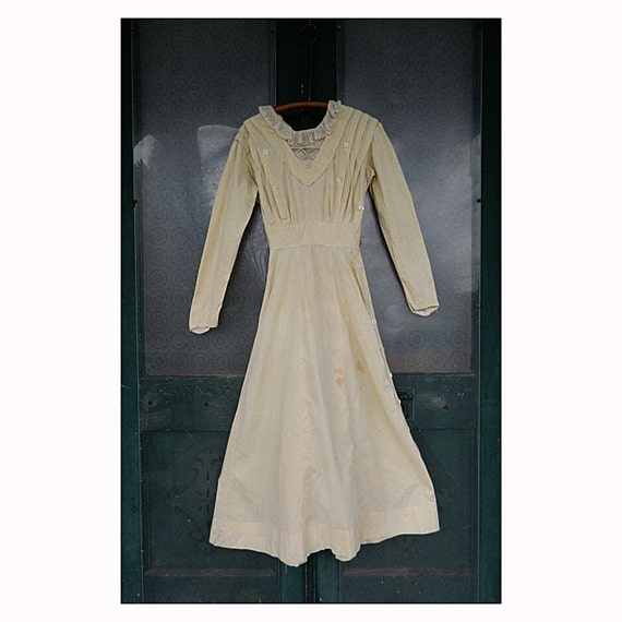 Sweet Edwardian Dress with Lace Collar