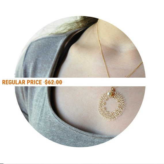 Holiday Sale - PEARL - Dream catcher necklace , Gold wire crochet pearl jewelry , Dreamcatcher crochet circle pendant , Wire jewelry