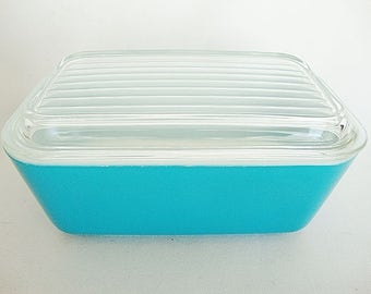 vintage blue Pyrex refrigerator baking dish casserole with glass lid 0502