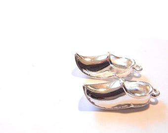 Pair of Aladdin Shoes or Wooden Shoe Charms Silver-tone
