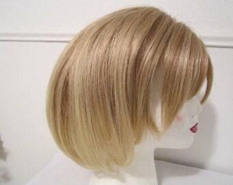 Wig, Ash-Blonde Wig, Synthetic Fiber Wig, Ladies Wig, Wig with highlights, Bob style wig, Stylish Wig